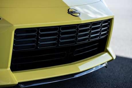Detalhe da frente do futuro Nissan Z.