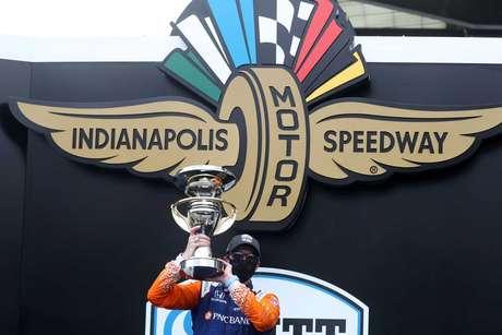 Scott Dixon venceu a primeira prova no misto de Indianápolis em 2020