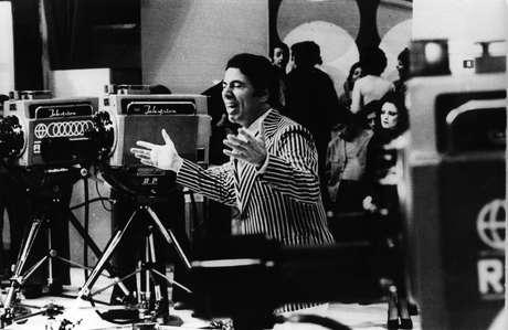 """Silvio Santos teve programa na Tupi, e em 1980 o empresário """"herdou"""" boa parte de suas emissoras fundando em 1981 a TVS/SBT"""