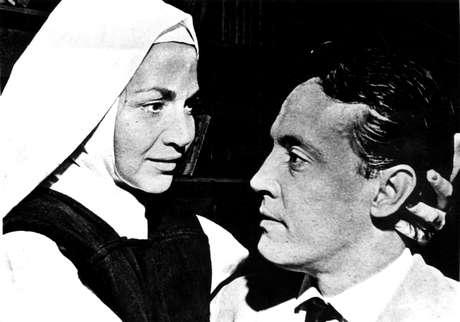 Protagonizado por Nathália Timberg e Amilton Fernandes 'O Direito de Nascer' foi o primeiro grande sucesso da televisão brasileira