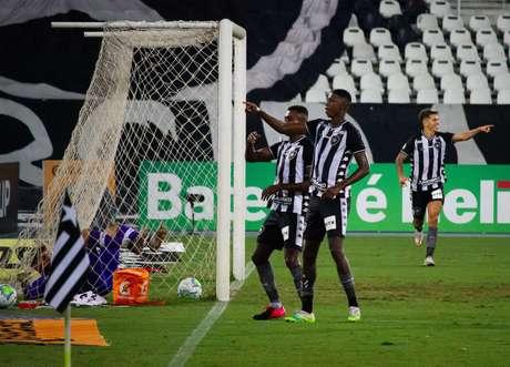 Com gol de Matheus Babi, Botafogo supera o Vasco pela Copa do Brasil