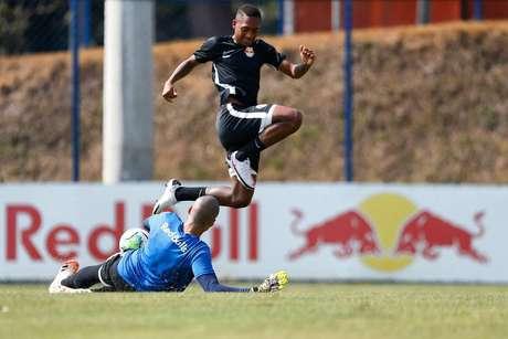 Sem vencer há seis jogos, Red Bull Bragantino tenta iniciar reação contra o Ceará.