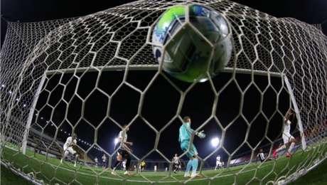 Bragantino balançou as redes quatro vezes na vitória contra o Ceará