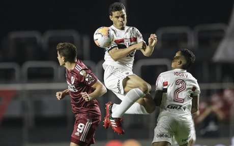São Paulo e River Plate empataram por 2 a 2, na noite da última quinta-feira (Foto: AFP)