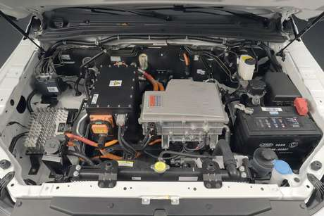 Motor elétrico da picape iEV330P entrega 150 cv de potência e 330 Nm de torque.
