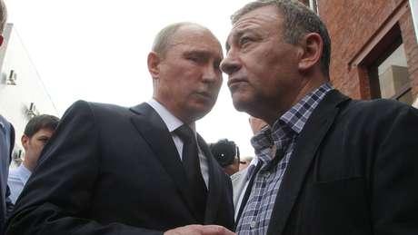 Vladimir Putin e Arkady Rotenberg são amigos desde a infância