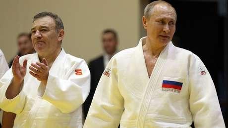 O empresário e presidente russo participando de treinamento de judô em Sochi no ano passado