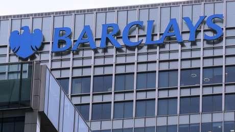 Um dos amigos mais próximos de Vladimir Putin pode ter usado o Barclays Bank em Londres para lavar dinheiro e evitar sanções