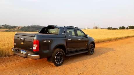 Nova S10 no campo: GM fez mudanças pontuais para agradar o público do agronegócio.