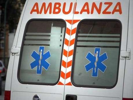 Vítima foi socorrida de ambulância, mas não corre risco de morte