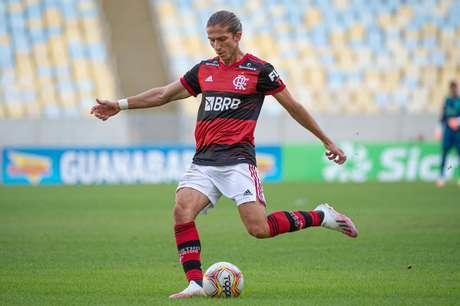 Filipe Luis testou positivo para o coronavirus. Ele e mais cinco jogadores do Flamengo.