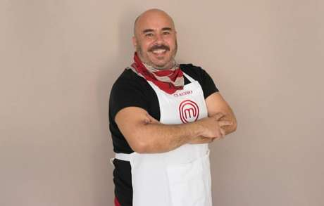 Claudio tem 49 anos e diz fazer 'cozinha intuitiva'.