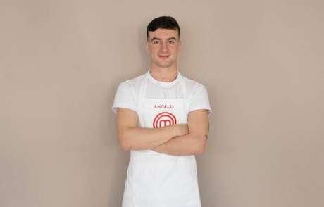 Aos 26 anos, Ângelo é formado em engenharia mecânica e posta suas receitas nas redes sociais.