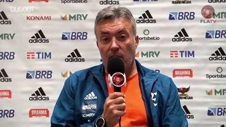 Dome esquentará a cabeça para escalar o Flamengo na terça-feira contra o Barcelona. Três dos seis que estão com Covid são laterais. Quem ele improvisará na direita? (Reprodução / Dugout)