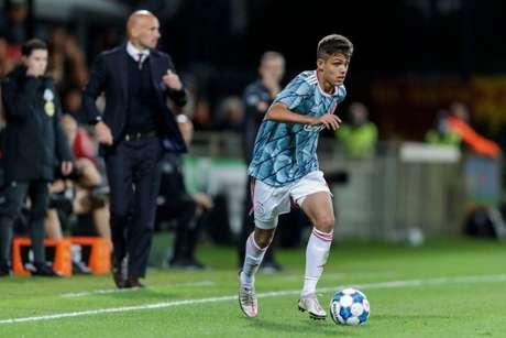 Giovanni Manson tem tido um bom início individual no Ajax B (Ajax/ Divulgação)