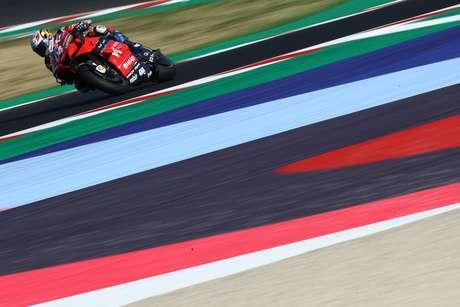 Andrea Dovizioso lidera com apenas um ponto