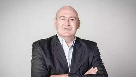 Andrés Rueda, de 64 anos, confirmou que vai tentar ser eleito presidente do Santos