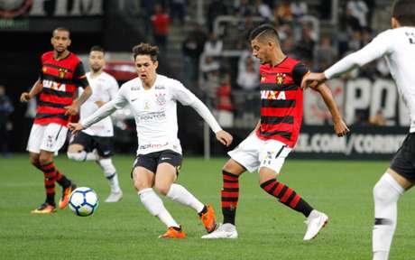 Sport e Corinthians se enfrentaram pela última vez no Brasileirão-2018 (Foto: Anderson Rodrigues / Agencia F8)