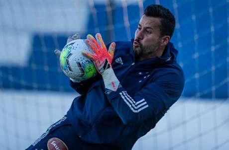 Fábio comentou que não pode externar tudo que ocorre nos bastidores do clube, mas que a cobrança interna é grande-(Bruno Haddad/Cruzeiro)