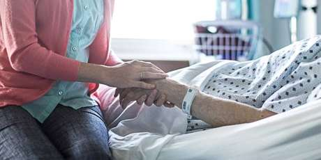 Vaticano condenou a eutanásia, mas ressaltou que se negar a receber tratamentos dolorosos é digno