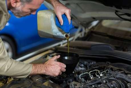 Lubrificantes exigem normas e padrões que devem ser seguidos conforme as características de seus motores.