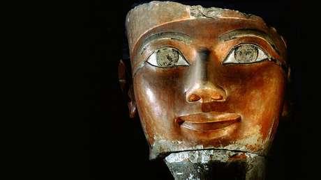 História de Hatshepsut precisou ser reconstruída com elementos que sobreviveram a destruição intencional