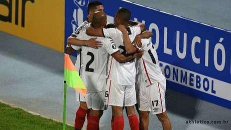 Athletico-PR encara o Colo-Colo pela Libertadores