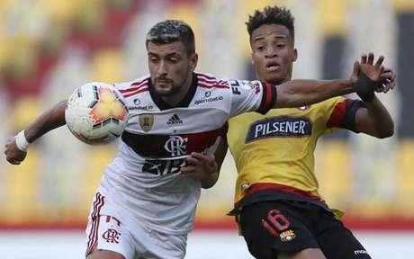 Arrascaeta marcou o segundo gol da vitória do Flamengo por 2 a 1 sobre oBarcelona de Guayaquil, no Equador(Foto: AFP)