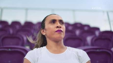 Jogadora Marta é estrela da nova campanha da Avon