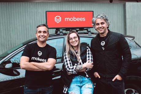 Os três fundadores da Mobees, da esquerda para a direita: José Lyra Junior, Flávia Coelho e Fabio Barcellos