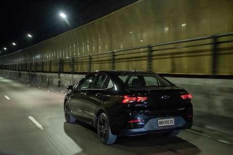O conceito de carro todo preto confere elegância e sofistificação ao Onix Plus.
