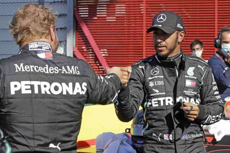 Valtteri Bottas tenta voltar a vencer Lewis Hamilton