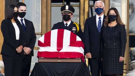 Ruth Bader Ginsburg morreu na sexta-feira (18/09), aos 87 anos; nos Estados Unidos, os juízes da Suprema Corte têm cargo vitalício