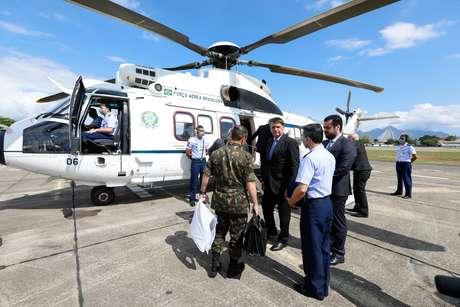 Bolsonaro pega helicóptero na Base Aérea do Galeão, no Rio de Janeiro, com destino a São Paulo 24/09/2020 Carolina Antunes/Presidência da República/Divulgação via REUTERS