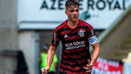 Gabriel Noga, zagueiro de 18 anos, foi um dos que deixou o time Sub-20 e voltou ao Rio (Foto: Reprodução Instagram)