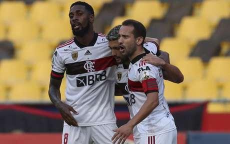 Flamengo venceu o Barcelona por 2 a 1, na terça-feira, após jogo quase ser adiado (Foto: AFP)