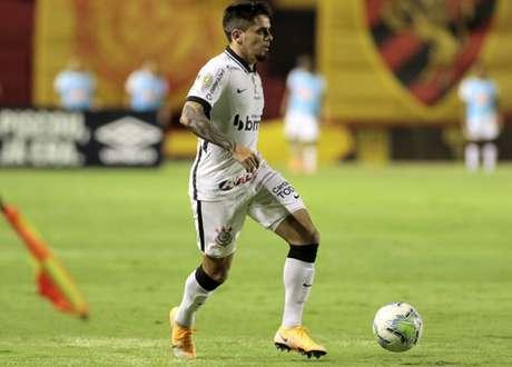 Fagner vai desfalcar o Corinthians no duelo com o Atlético-GO (Foto: Olavo Augusto Guerra/Ag. Corinthians)