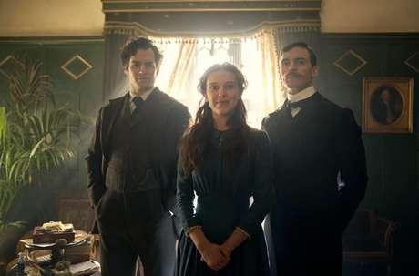 Henry Cavill, Sam Claflin, e Millie Bobby Brown em 'Enola Holmes' (2020)