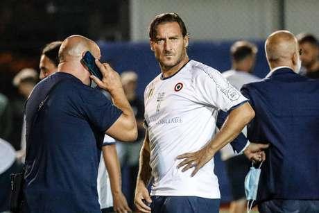 Totti mandou uma mensagem em vídeo para a jogadora da Lazio Ilenia Matilli