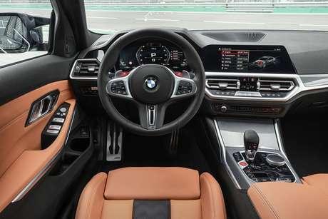 Interior do M3 e do M4 são iguais, pois o que muda nos carros é só a carroceria.