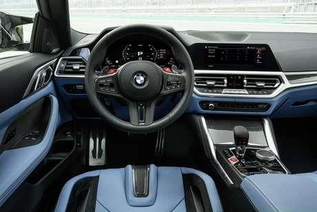 Interior da versão Competition, preparada para pista, tem opcional para melhorar a condução.