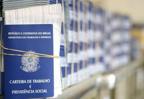 Segundo o IBGE, 13 milhões de brasileiros estavam sem trabalho na primeira semana de setembro.