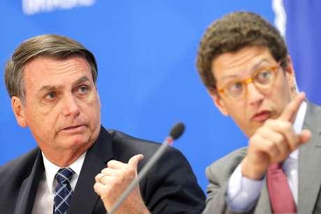Bolsonaro e Salles dão entrevista coletiva no Palácio do Planalto em agosto do ano passado 01/08/2019 REUTERS/Adriano Machado