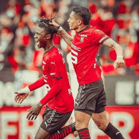 Raphinha e Camavinga buscam levar o Rennes para o topo da tabela do Francês (Divulgação)
