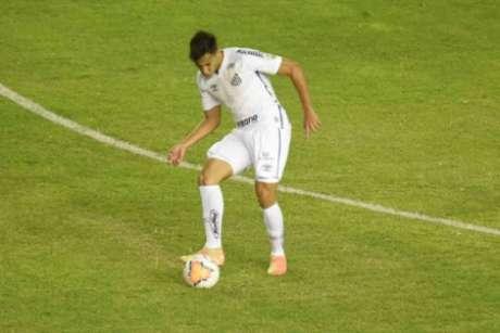 Contra o Delfin-EQU, Kaio Jorge recuperou a titularidade no Santos (Foto: Twitter/Santos)