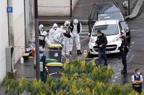 Ataque deixou 4 feridos em Paris nesta sexta-feira