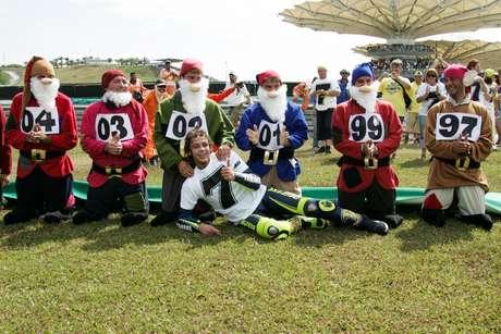 Rossi comemorou o título com a Branca de Neve e os Sete Anões