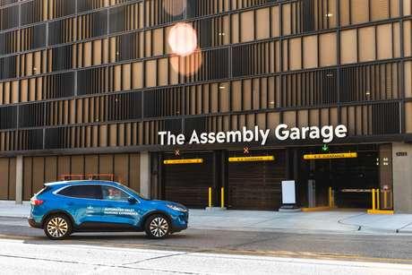 Condomínio Bedrock's Assembly Garage é parceiro da Ford e da Bosch neste projeto.