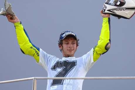 Rossi se vestiu à caráter para o pódio do título