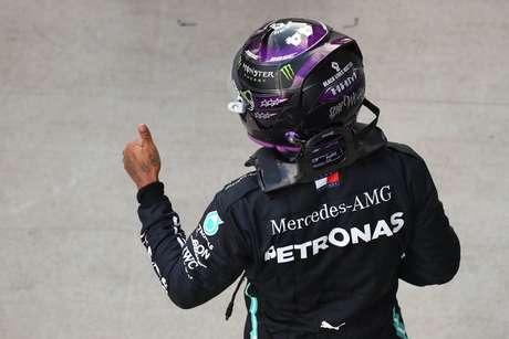 Tá joia mesmo, Lewis! Com 1min31s304, britânico ficou meio segundo na frente de Verstappen